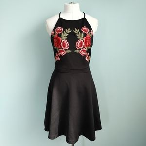 Guess   embroidered dress
